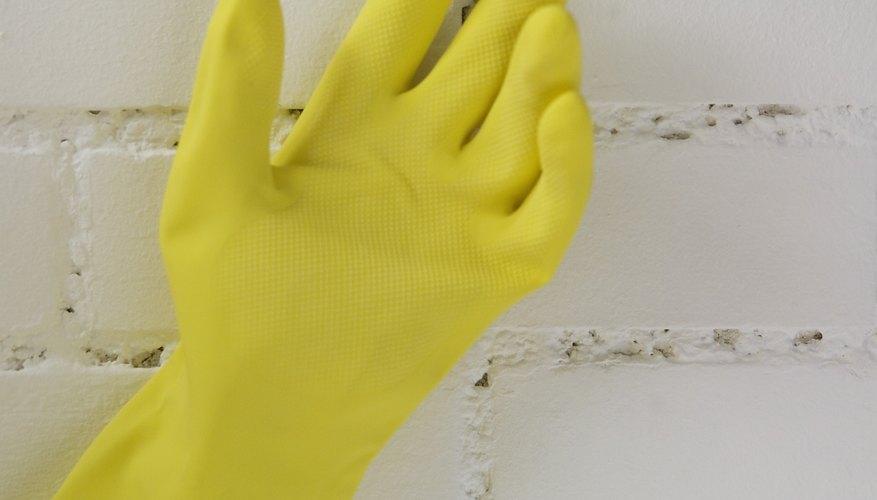 Utiliza guantes, mangas largas y antiparras.