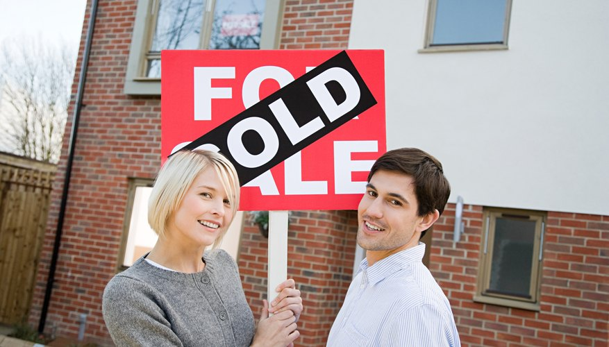 Persuasive home advertising helps attract buyers.