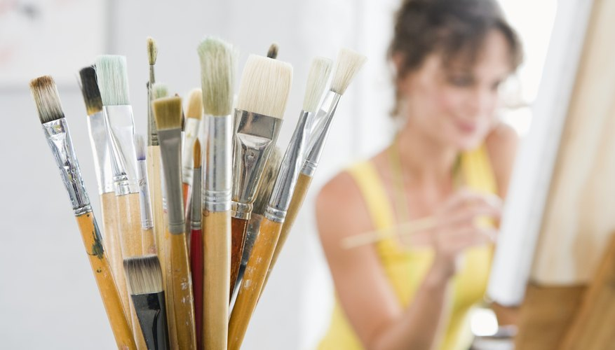 Freelance artists have different tax issues than colleagues who work for organizations.
