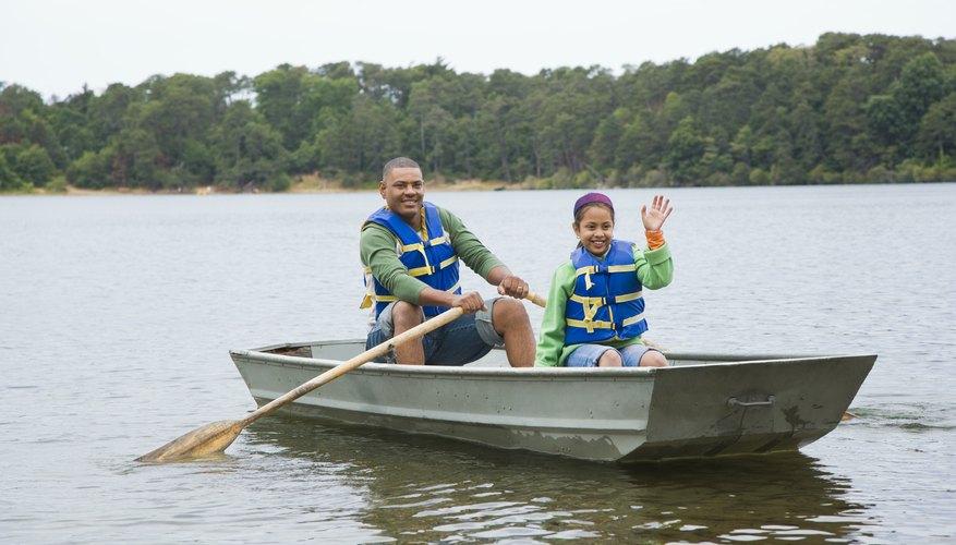 Kaufman County has recreational activities like boating and fishing.
