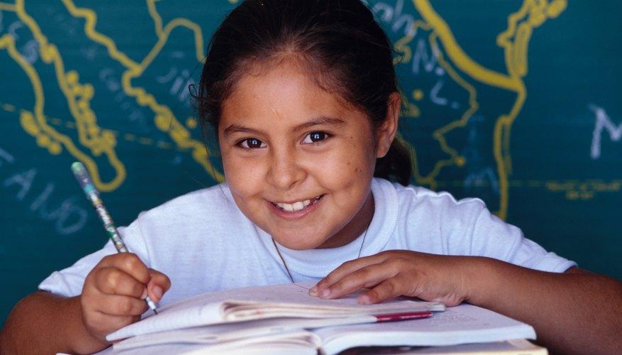 Los estudiantes del quinto grado pueden aprender acerca de la cartografía y otros temas de estudios sociales.