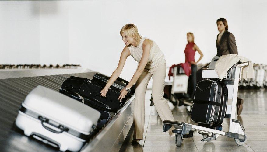 La Administración de Seguridad en el Transporte prohíbe ciertos artículos en el equipaje de mano.