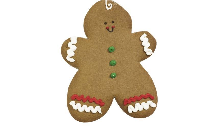 Decorar galletas de jengibre es una actividad divertida y tradicional para niños durante las vacaciones de Navidad.