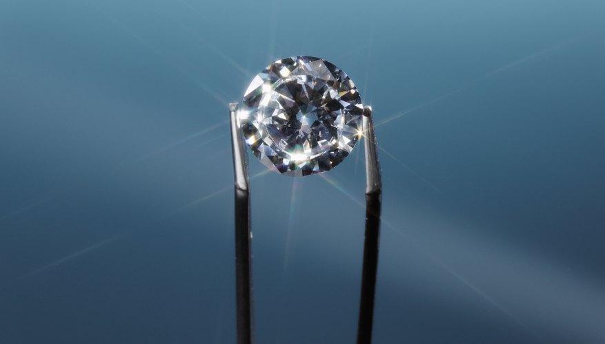 Los diamantes suelen usarse en joyería.
