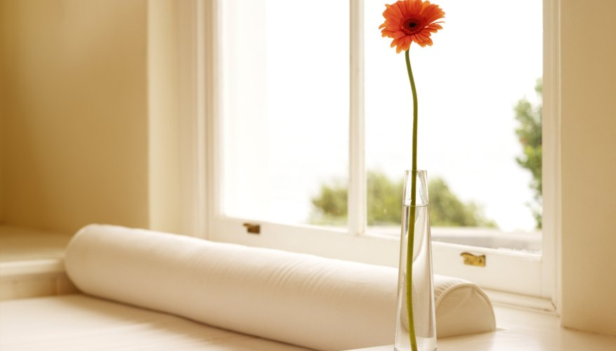 Los calentadores infrarrojos portátiles se utilizan con frecuencia para complementar otras fuentes de calor en una casa.