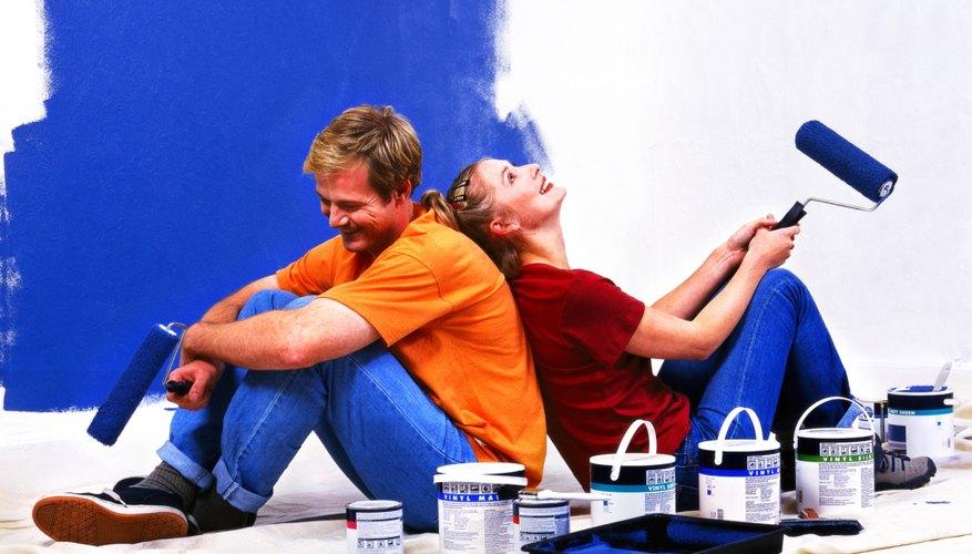 Asegúrate que la tonalidad de azul para pintar tu habitación es la que deseas.