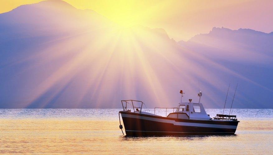 El Principio de Arquímedes es importante en aplicaciones de hidroingeniería, como la construcción de barcos.