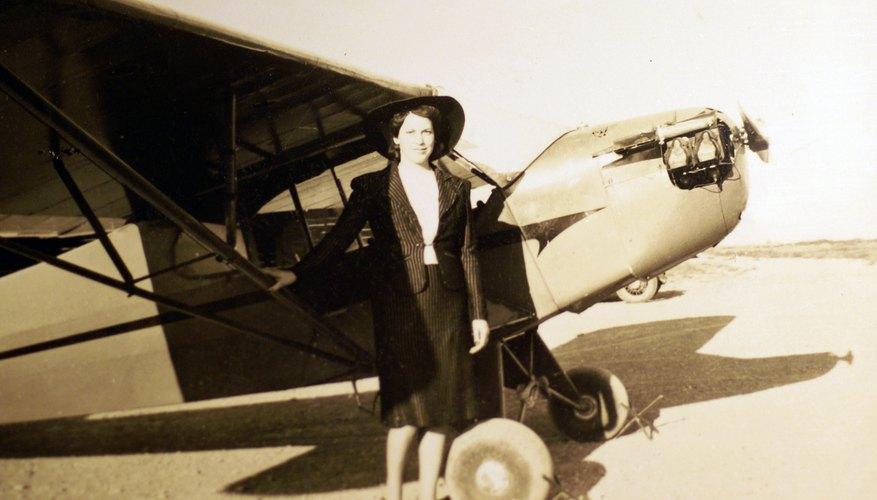 WomanAirplane1940