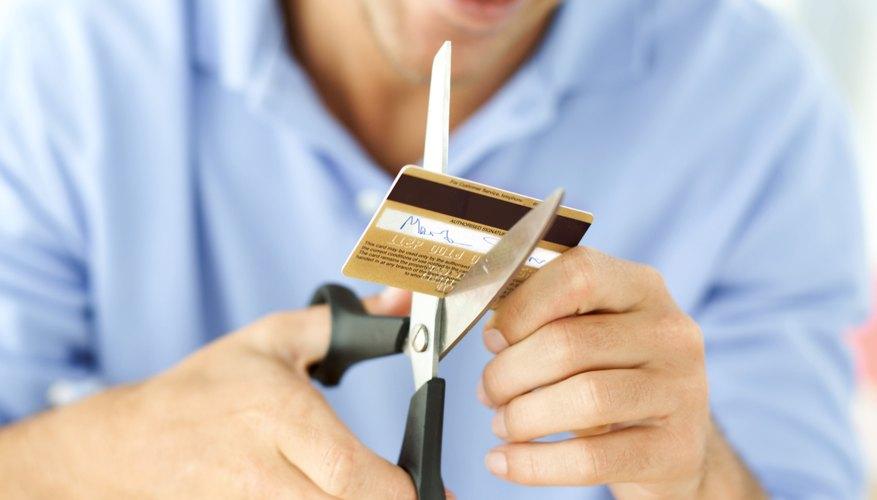 Si tu balance de cuenta es bajo, una doble transacción puede causar que tu cuenta sufra cargos por sobregiro.