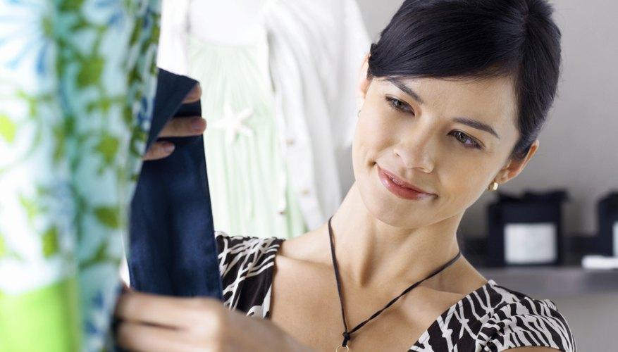 Tu boutique necesita una caja registradora y un programa de contabilidad, además de ropa y accesorios.