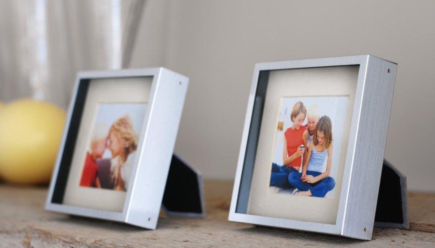 → Cómo quitar una foto pegada al vidrio de un marco de fotos ...