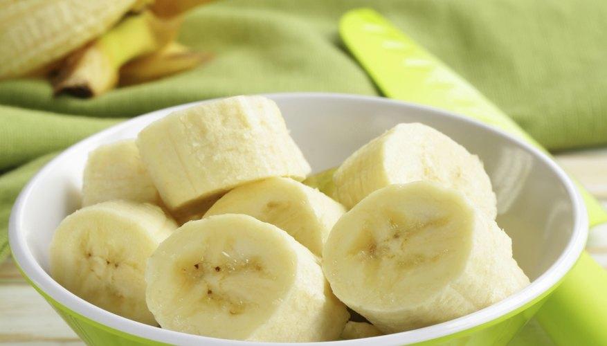 Sliced bowl of bananas