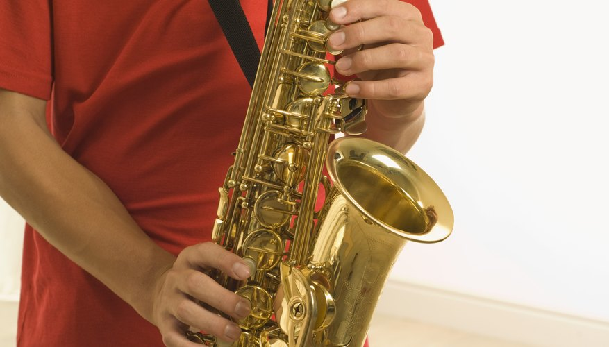 How to Remove Corrosion From Saxophones | Our Pastimes