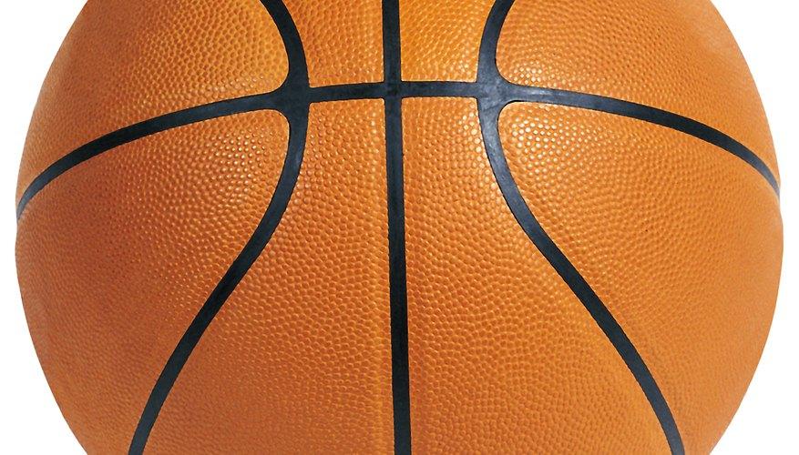 Al hacer una fiesta temática de baloncesto, haz este centro de mesa y gánate a tus invitados.