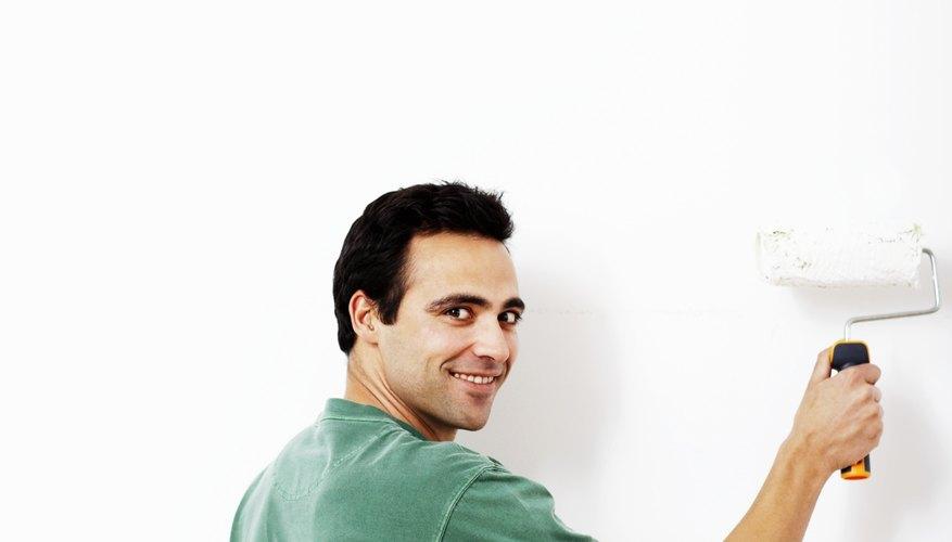 También puedes ofrecer servicios de pintura en exteriores o interiores.