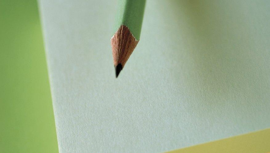 Traza las letras con un lápiz.