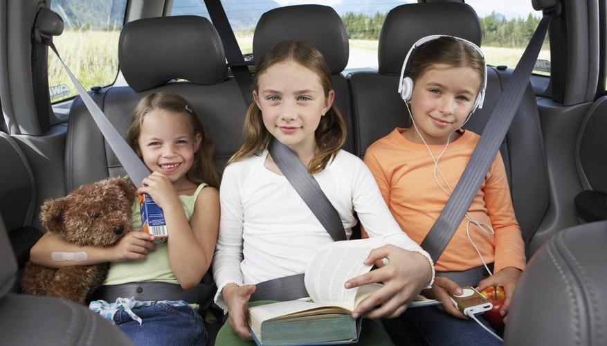Los niños menores de 13 años deberían ir en el asiento trasero.