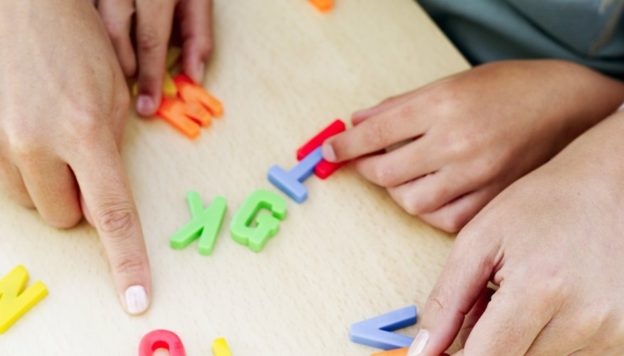Mezcla las letras y pon a tus hijos a formar palabras.