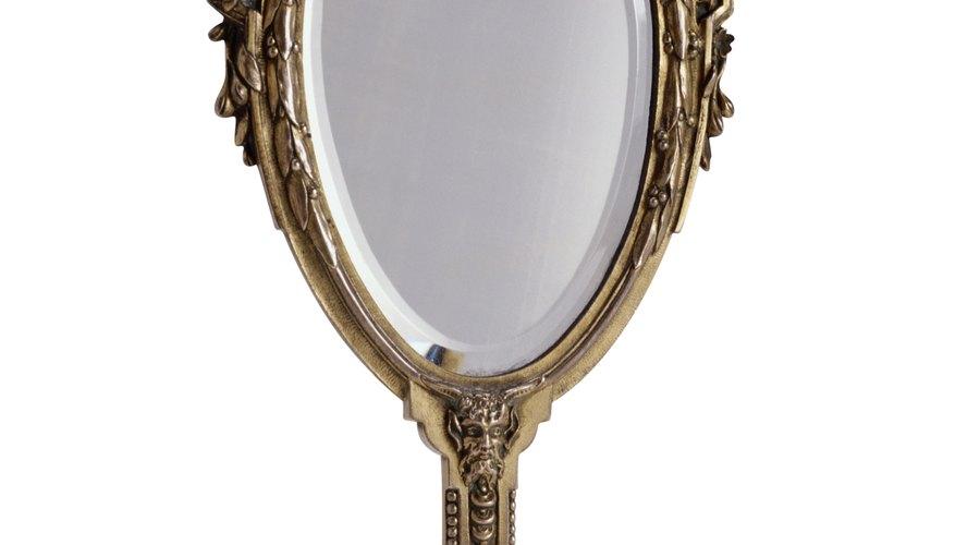 Cómo arreglar manchas negras en espejos antiguos.