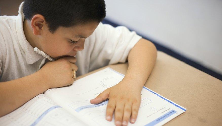 Tanto las pruebas que hacen referencia a la norma, como las referidas a criterios, miden el progreso del estudiante.