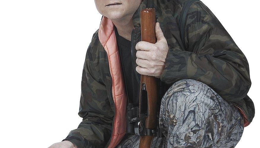 Puedes crear fácilmente un traje de caza de camuflaje en tu hogar con solo unos pocos artículos.