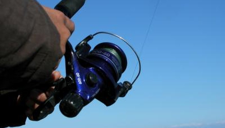 How to Use a Daiwa Autocast Fishing Reel