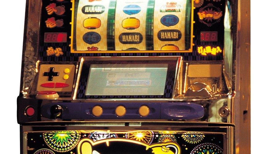Los casinos como el Mirage dedican una gran porción de su espacio a estas máquinas, que vienen en varios estilos y denominaciones.
