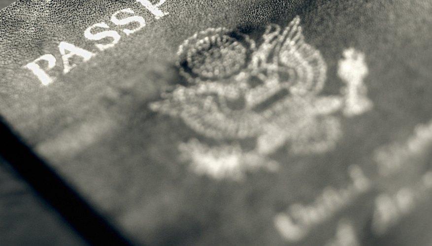 Cómo hacer pasaportes de juguete para niños.