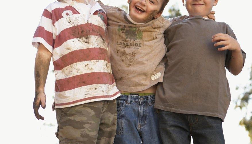 Conoce algunas formas de desarrollar el trabajo en equipo en niños y adolescentes.