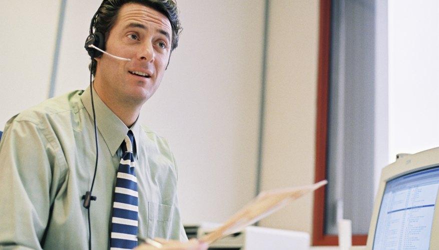 Los gerentes de ventas responden a las preguntas de los clientes, así como a la alta dirección.