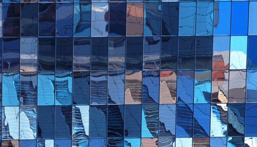 Dado que el cobalto puede producir un color azul, el término