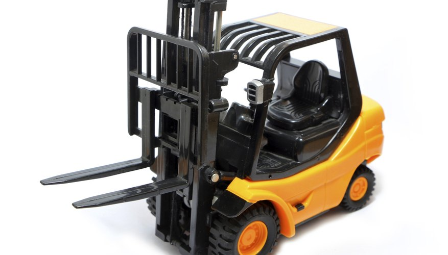 Forklift lifting mechanism.