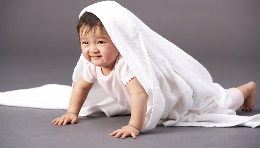 Algunos bebés duermen bien durante la noche, pero no pueden dormir durante el día.