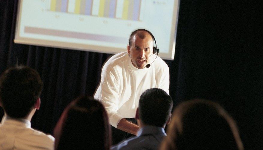 Los escritores de discurso tienen que desarrollar constantemente temas que atraigan y estimulen a las audiencias.