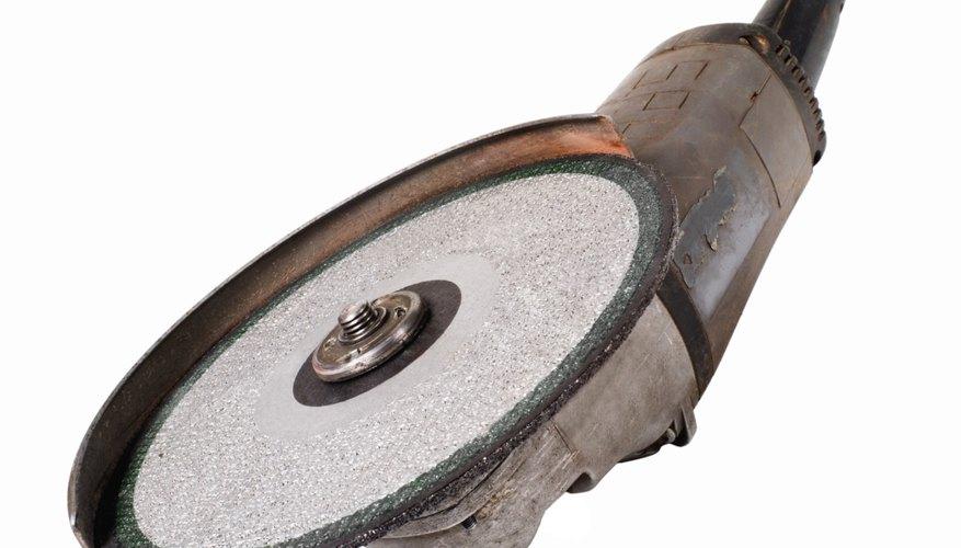 Una amoladora con el disco apropiado puede amolar fácilmente el tungsteno.