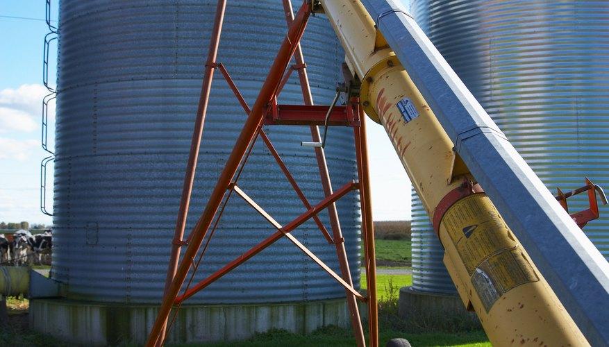 Puedes indicar la capacidad de un silo de granos haciendo un simple cálculo matemático.