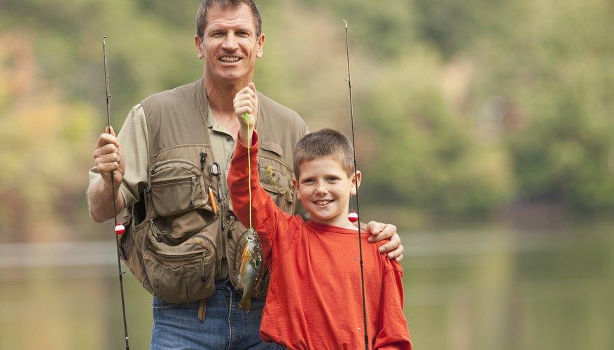 Lleva a los niños de pesca en St. Peters.