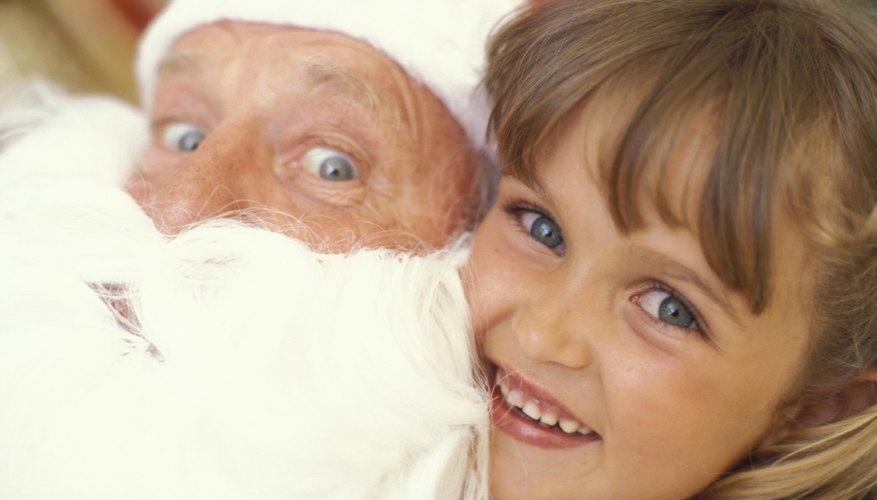 Deja que los niños disfruten con juegos relacionados con Santa Claus.