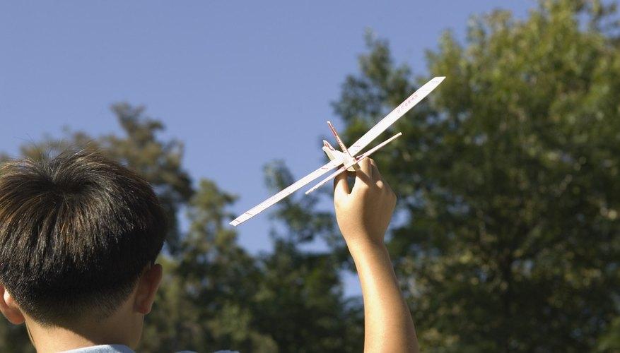Promueve el interés de tu niño en la aviación por medio de actividades educativas