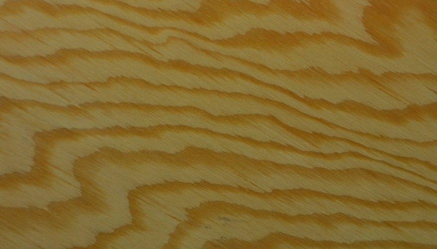 La madera se consigue cualquier maderería.