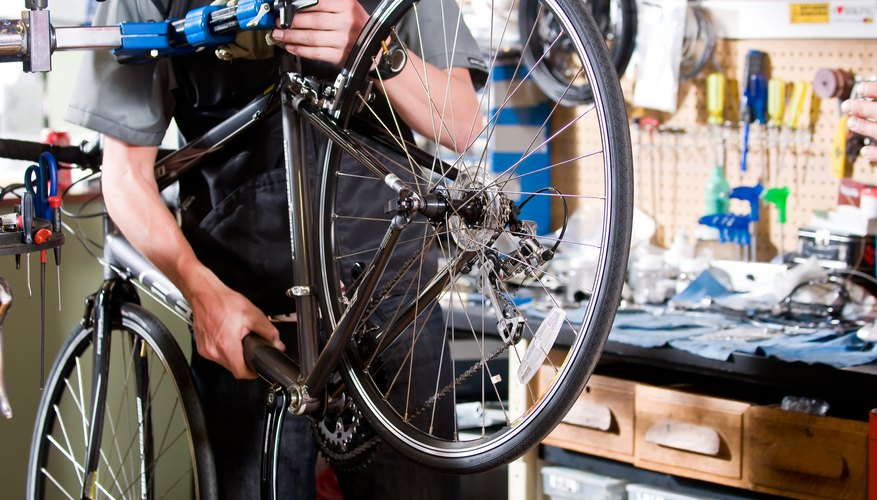 → Cómo hacer un soporte para bicicletas casero   Geniolandia