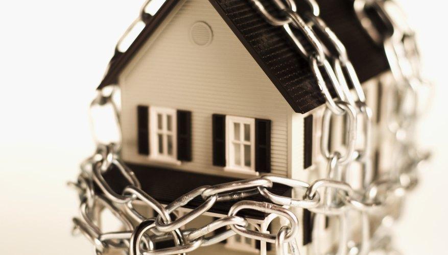 Los seguros protegen tus posesiones en caso de daño o pérdida.