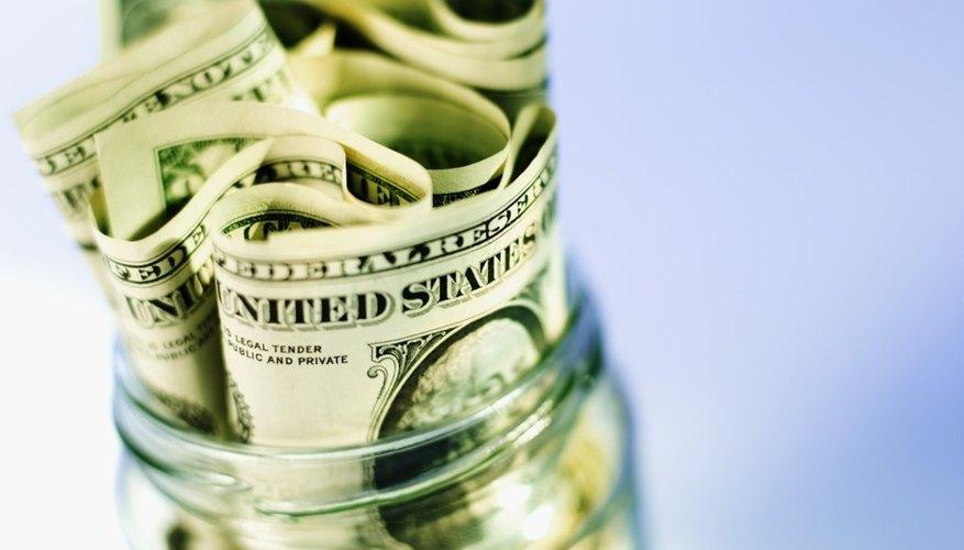 Cómo depositar dinero en una cuenta de ahorros.