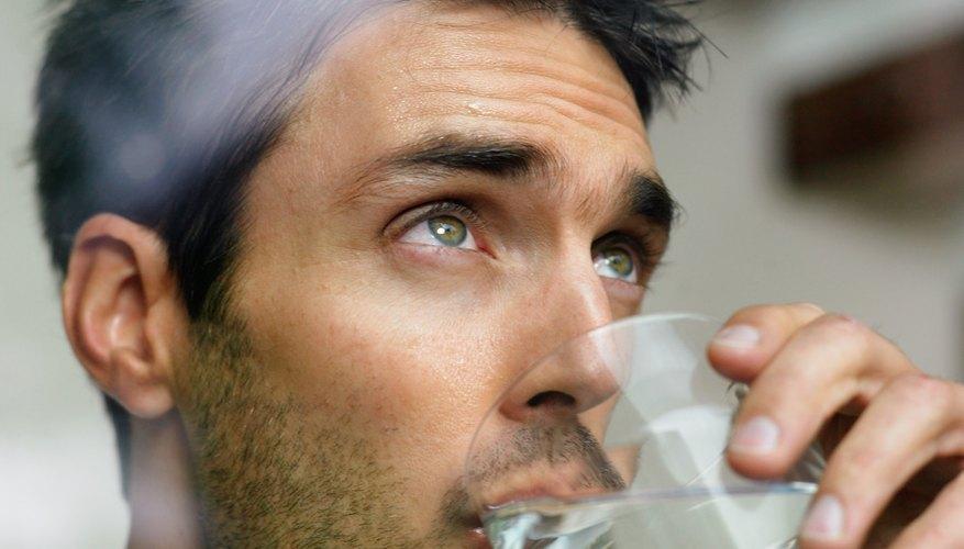 Al deshacerte de los desechos en el receptáculo designado, podrás ayudar a conservar el agua al no contaminarla.