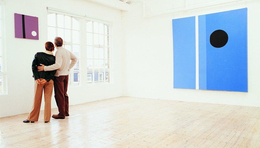 Describe la forma general, la composición o la materia de la pieza.