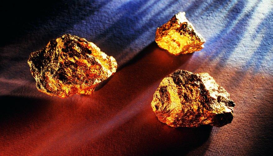 Los lugares que contienen oro pueden ser encontrados a través de la U.S. Geological Survey y la U.S. Bureau of Mines.