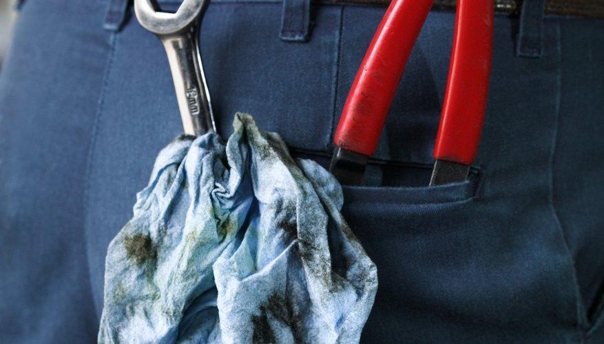 Tools in mechanic's back pocket