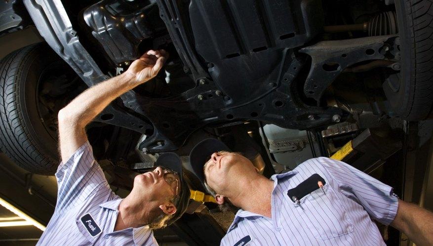 Aprende a revisar los niveles de la transmisión de tu automóvil Honda.