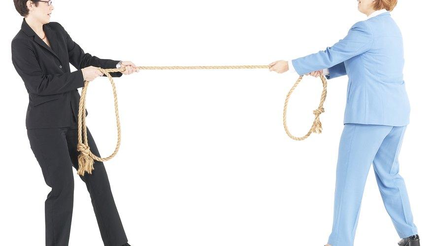 Los conflictos de trabajo no resueltos aumentan el estrés y reducen la productividad del empleado.