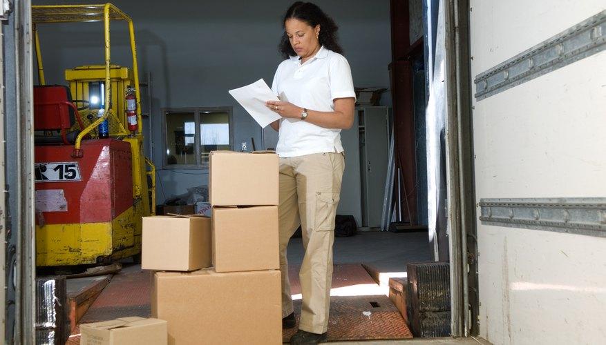 Existen costos significativos asociados con el mantenimiento, o no, del inventario.